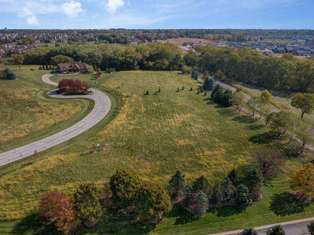 3375 Fall Meadows Circle, Valparaiso, IN 46385 (MLS #483437) :: Rossi and Taylor Realty Group