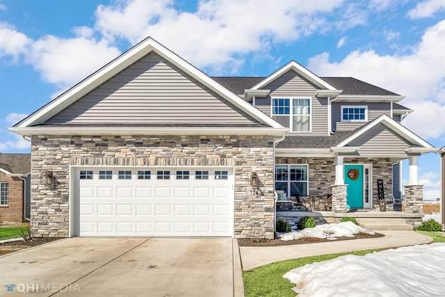 724 Village Parkway, Lowell, IN 46356 (MLS #488838) :: McCormick Real Estate