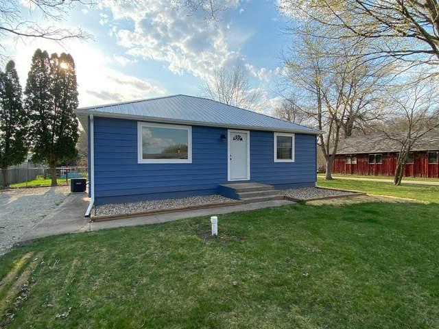 7642 N Walker Road, New Carlisle, IN 46552 (MLS #490721) :: McCormick Real Estate