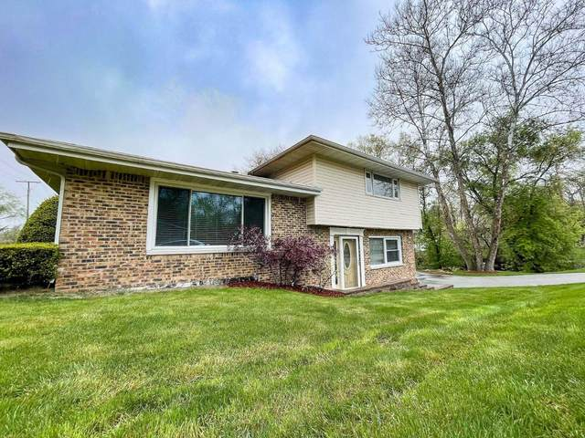 370 W 68th Place, Merrillville, IN 46410 (MLS #492065) :: Lisa Gaff Team