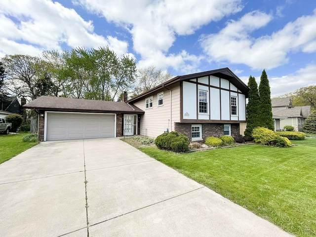 325 Little John Drive, Schererville, IN 46375 (MLS #492945) :: McCormick Real Estate