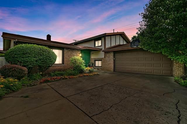 2000 Azalea Drive, Highland, IN 46322 (MLS #494929) :: McCormick Real Estate