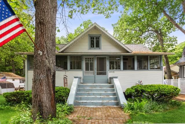 46115 Royal Avenue, Grand Beach, MI 49117 (MLS #495835) :: McCormick Real Estate