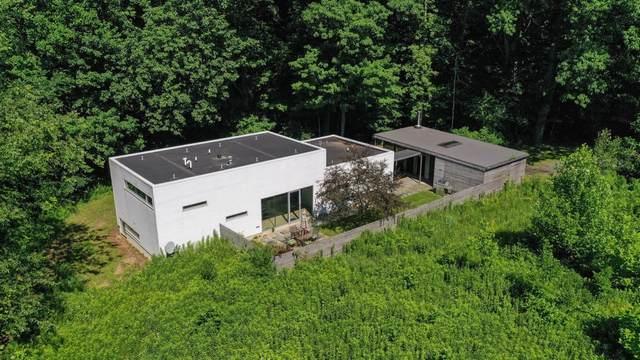 6865 N Nature Lane, Laporte, IN 46350 (MLS #496141) :: Lisa Gaff Team