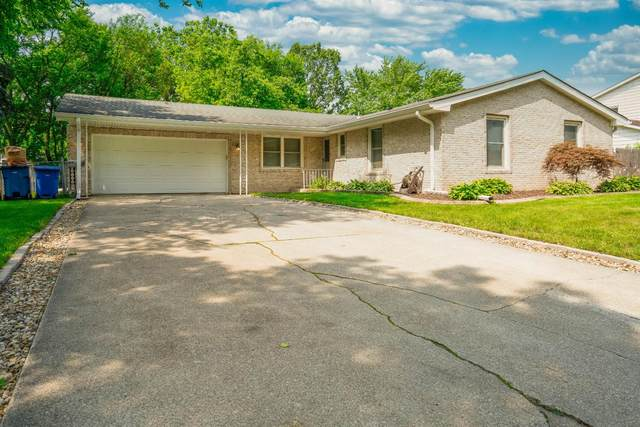 704 E Franciscan Drive, Crown Point, IN 46307 (MLS #497243) :: Lisa Gaff Team