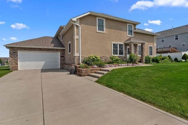2450 Mariestad Drive, Valparaiso, IN 46385 (MLS #497709) :: McCormick Real Estate