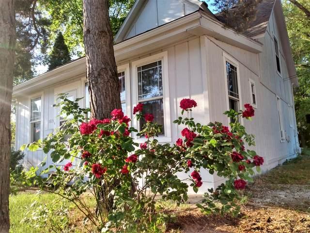 1615 E Michigan Boulevard, Michigan City, IN 46360 (MLS #498804) :: McCormick Real Estate