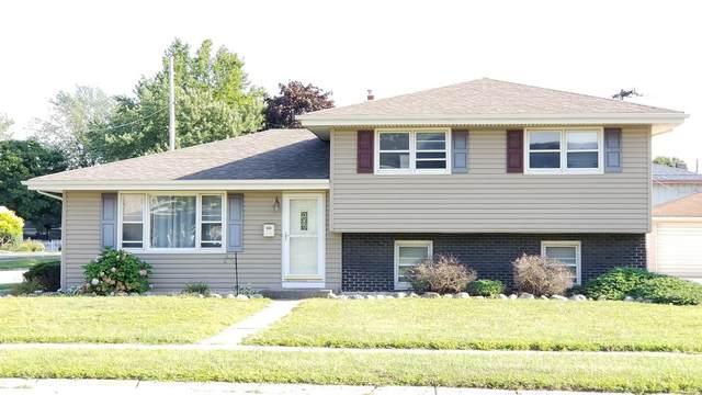 2226 Martha Street, Highland, IN 46322 (MLS #499546) :: McCormick Real Estate