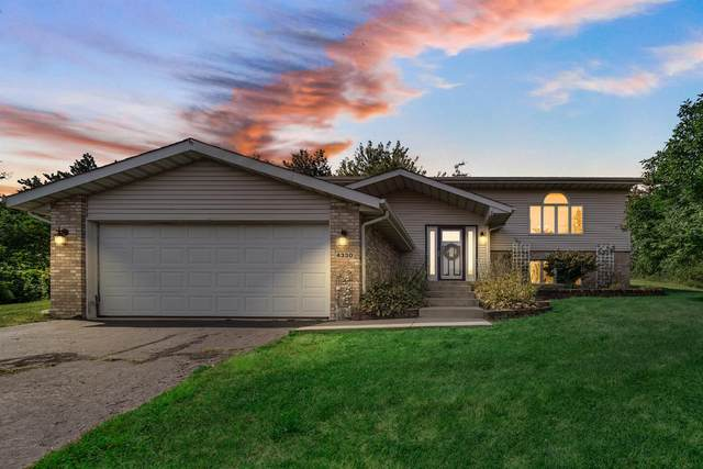 4330 Pinehurst Court, Crown Point, IN 46307 (MLS #500647) :: McCormick Real Estate