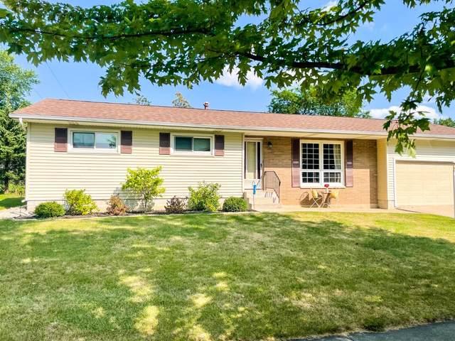 9405 Roosevelt Place, Crown Point, IN 46307 (MLS #501416) :: Lisa Gaff Team