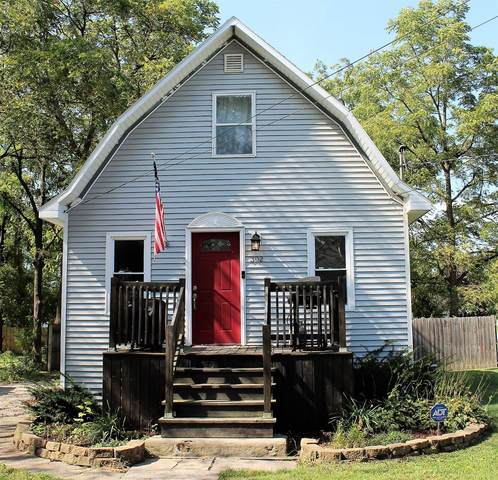 302 S Madison Street, Hebron, IN 46341 (MLS #501483) :: McCormick Real Estate