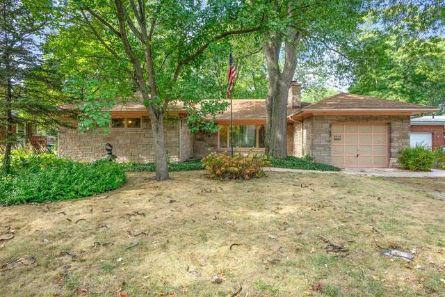 8214 Greenwood Avenue, Munster, IN 46321 (MLS #501833) :: Rossi and Taylor Realty Group
