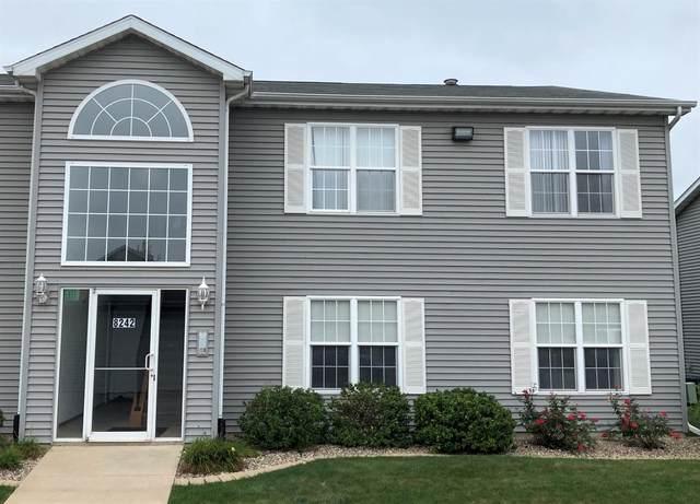 8242 Lincoln Circle, Merrillville, IN 46410 (MLS #502161) :: McCormick Real Estate