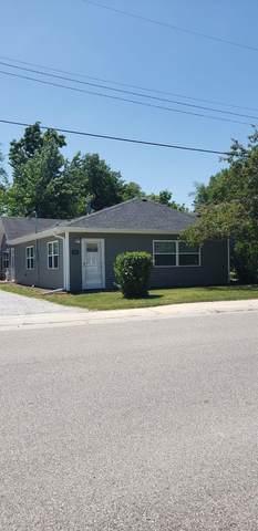 305 9th Street SW, Demotte, IN 46310 (MLS #494787) :: Lisa Gaff Team