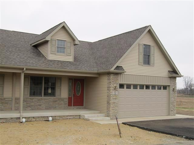 901 9th Street SW, Demotte, IN 46310 (MLS #417890) :: Carrington Real Estate Services