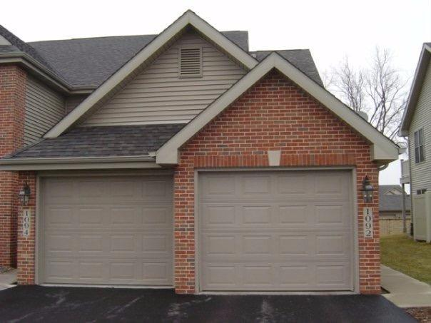 1092 Lakewood Court, Schererville, IN 46375 (MLS #419698) :: Carrington Real Estate Services