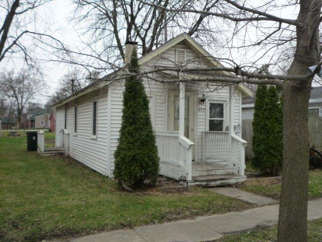 207 E Vine Street, Rensselaer, IN 47978 (MLS #432153) :: Rossi and Taylor Realty Group