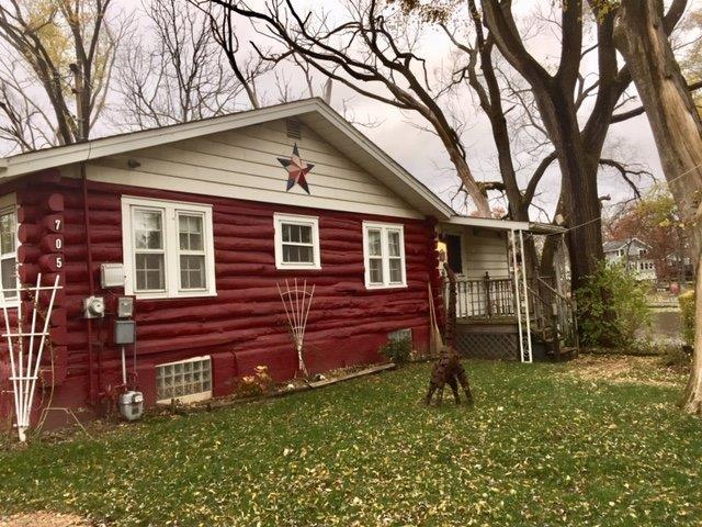 705 S Lakeview Drive, Lowell, IN 46356 (MLS #445764) :: Rossi and Taylor Realty Group