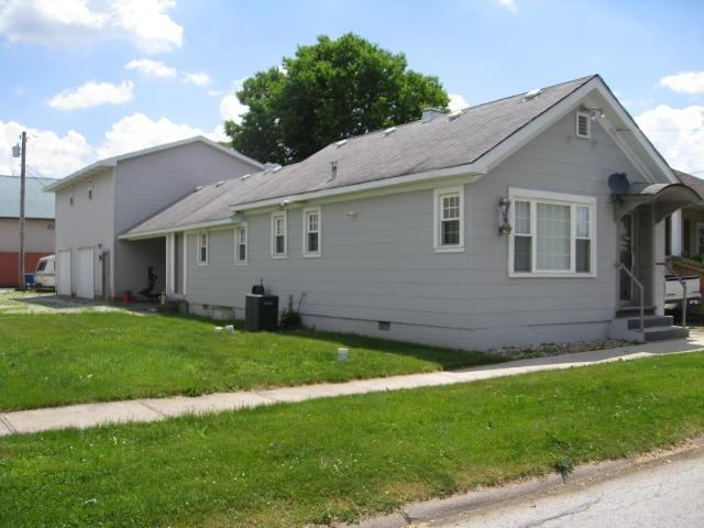 404 N Grant Street, Crown Point, IN 46307 (MLS #447124) :: Rossi and Taylor Realty Group