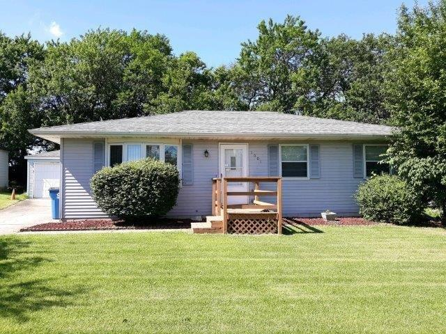 1001 Aspen Street, Hebron, IN 46341 (MLS #460659) :: Rossi and Taylor Realty Group