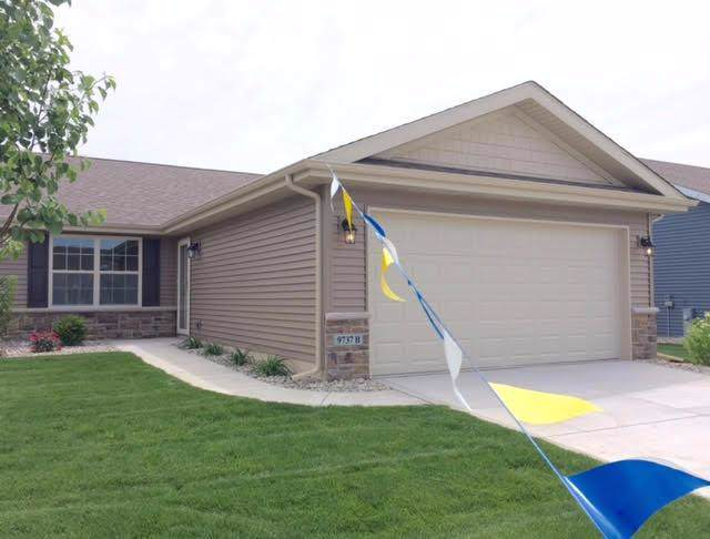13838 Breakwater Lane, Cedar Lake, IN 46303 (MLS #466946) :: Rossi and Taylor Realty Group