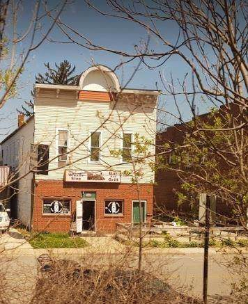 206 Lincoln Street - Photo 1