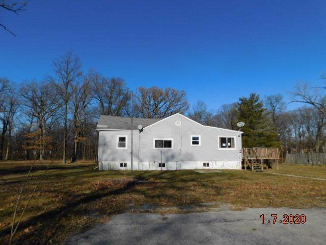 6902 Moss Street, Cedar Lake, IN 46303 (MLS #468638) :: Rossi and Taylor Realty Group