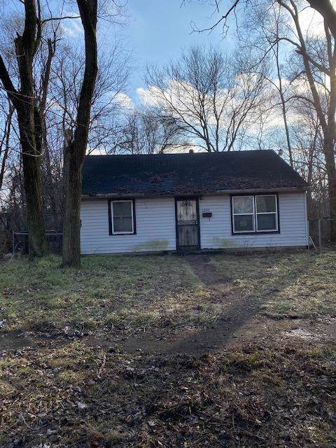 1253 E 35th Place, Gary, IN 46409 (MLS #468988) :: Rossi and Taylor Realty Group