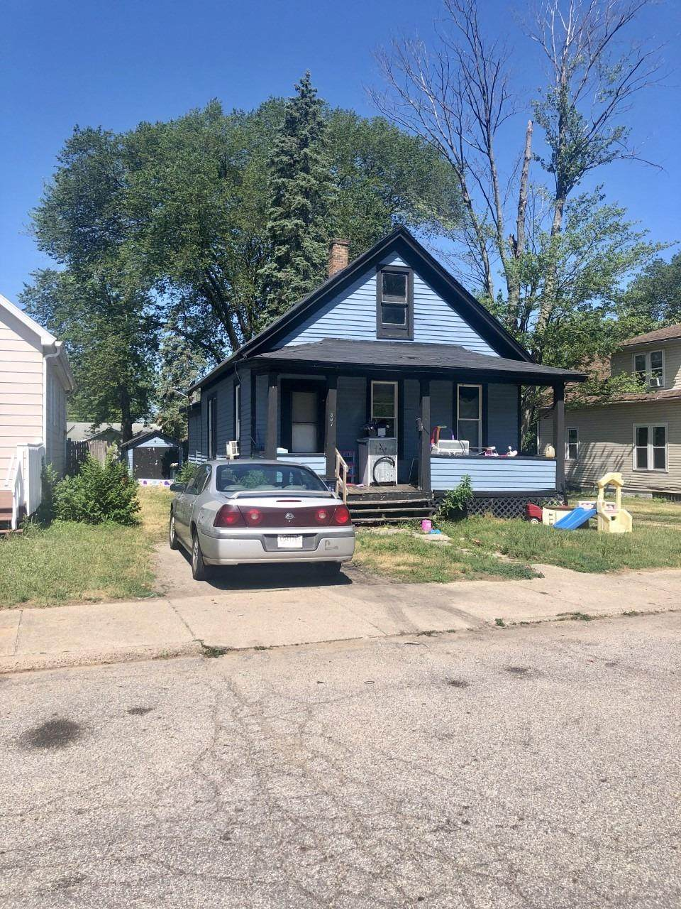 307 Porter Street - Photo 1