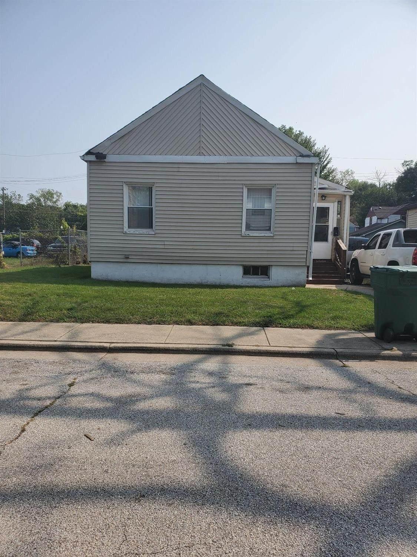 6115 Ray Avenue - Photo 1