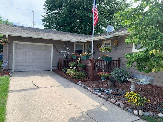3052 97th Place, Highland, IN 46322 (MLS #496538) :: McCormick Real Estate