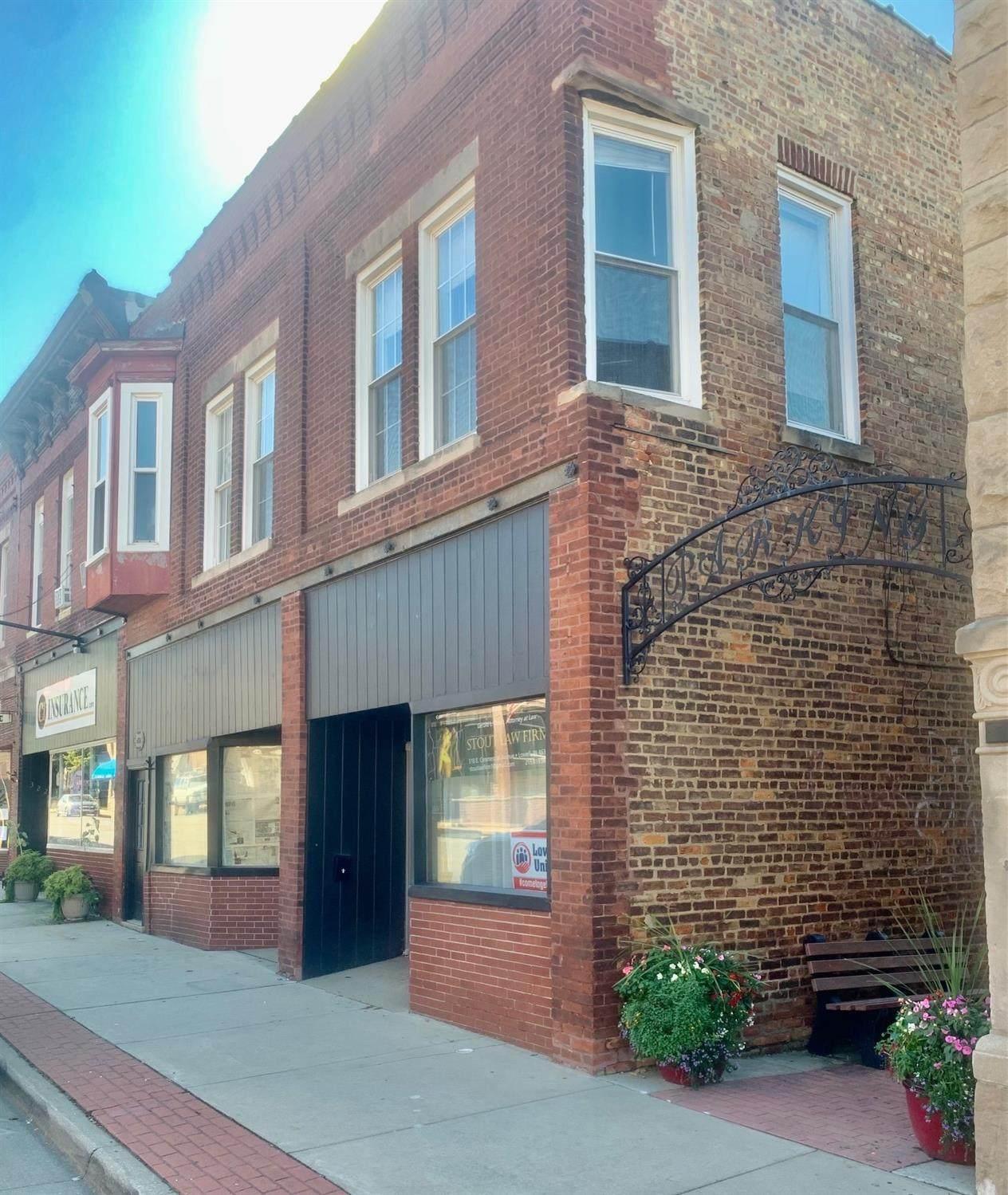 318-322 Commercial Avenue - Photo 1