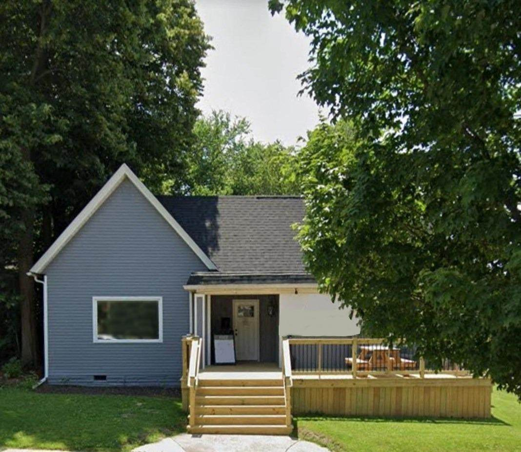 408 Lincolnway - Photo 1