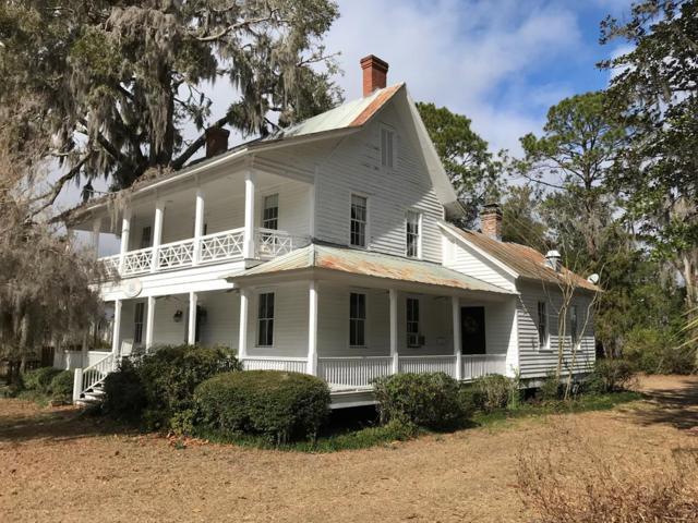 306 Fort King George Drive, Darien, GA 31305 (MLS #1588206) :: Coastal Georgia Living