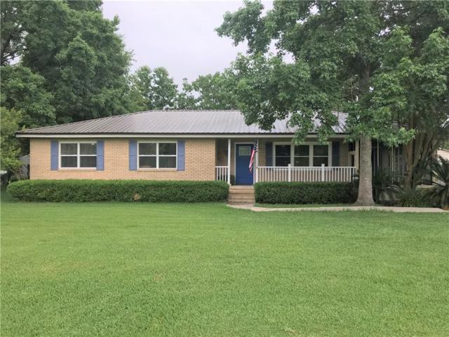 107 South Lake Drive, Brunswick, GA 31525 (MLS #1610072) :: Coastal Georgia Living