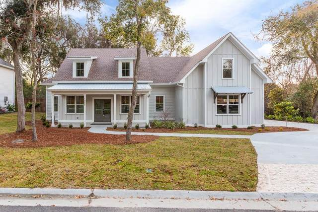 1009 Silver Oaks Lane, St. Simons Island, GA 31522 (MLS #1616589) :: Coastal Georgia Living