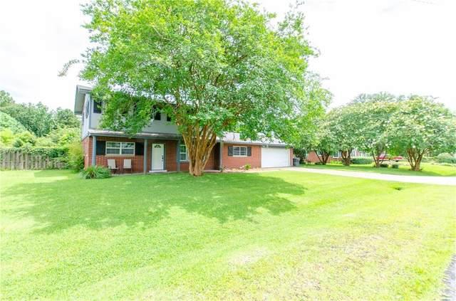 203 N Lake Drive, Brunswick, GA 31525 (MLS #1627918) :: Coastal Georgia Living
