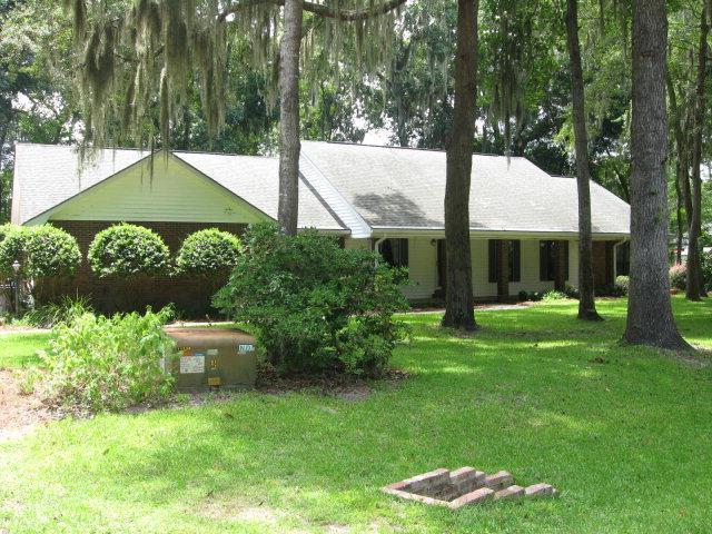 811 Baytree Circle, St. Marys, GA 31558 (MLS #1574717) :: Coastal Georgia Living
