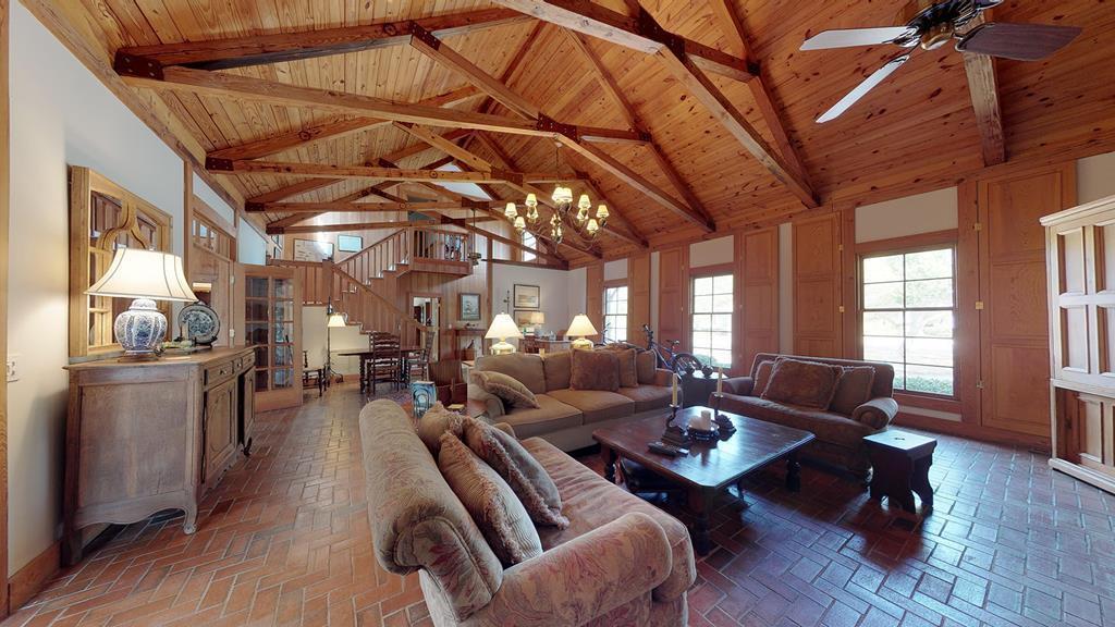 235 Eleventh (Cottage 380) - Photo 1