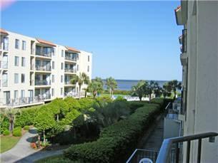1440 Ocean Boulevard #223, St. Simons Island, GA 31522 (MLS #1585660) :: Coastal Georgia Living
