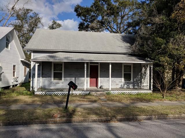2024 Reynolds Street, Brunswick, GA 31520 (MLS #1587709) :: Coastal Georgia Living
