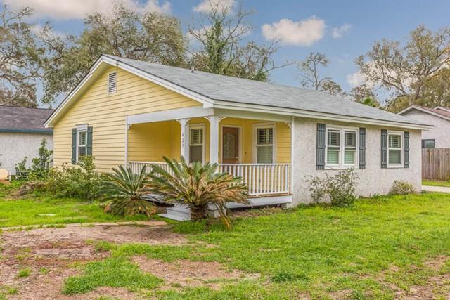 425 Maple Street, St. Simons Island, GA 31522 (MLS #1587747) :: Coastal Georgia Living