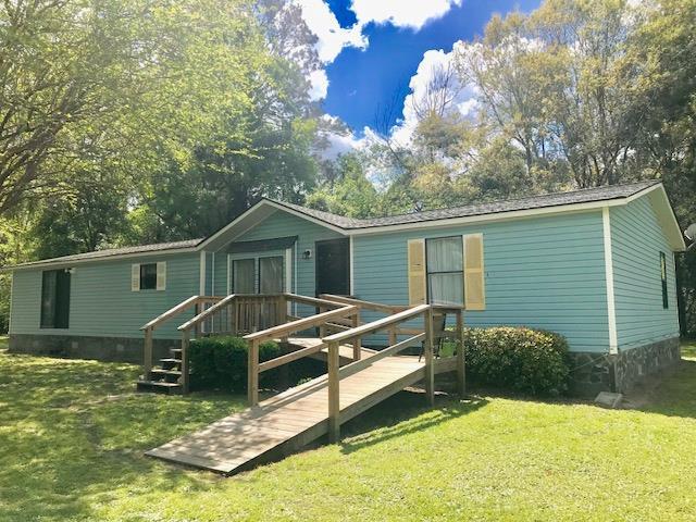 121 Diane Lane, Brunswick, GA 31525 (MLS #1588309) :: Coastal Georgia Living