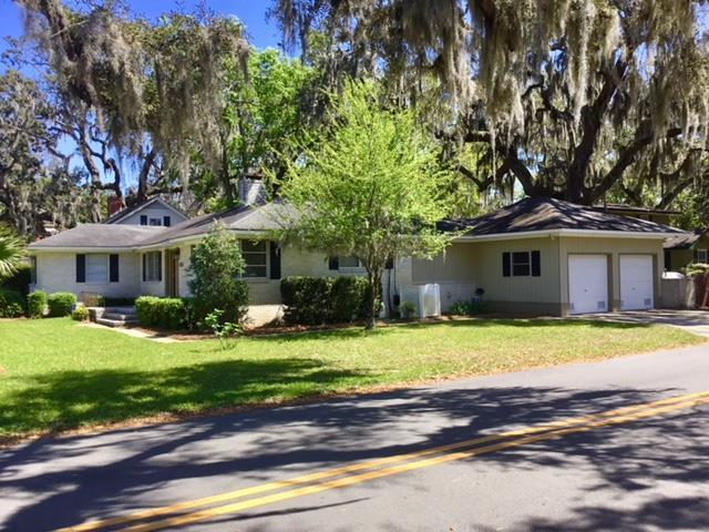 1800 Oak Ave, Brunswick, GA 31520 (MLS #1588372) :: Coastal Georgia Living