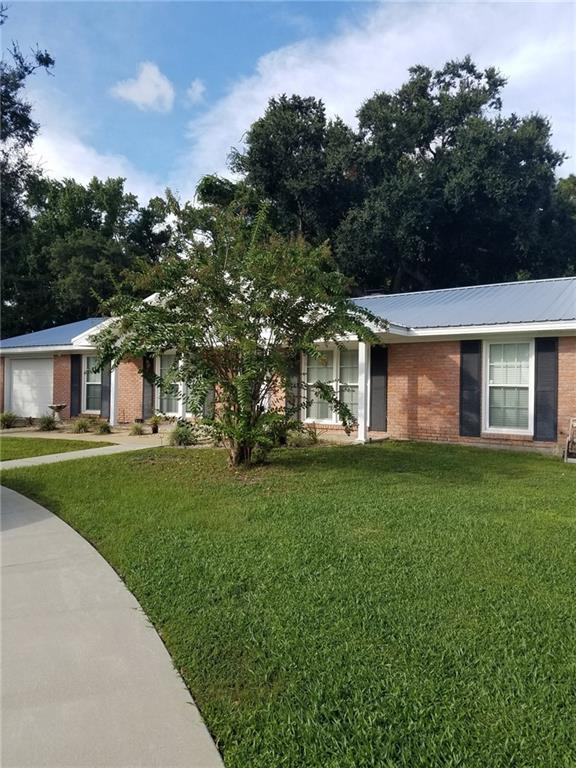 129 Zellwood Drive, Brunswick, GA 31523 (MLS #1602986) :: Coastal Georgia Living
