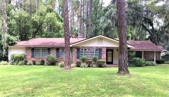 800 Palm Ave, Brunswick, GA 31523 (MLS #1610677) :: Coastal Georgia Living