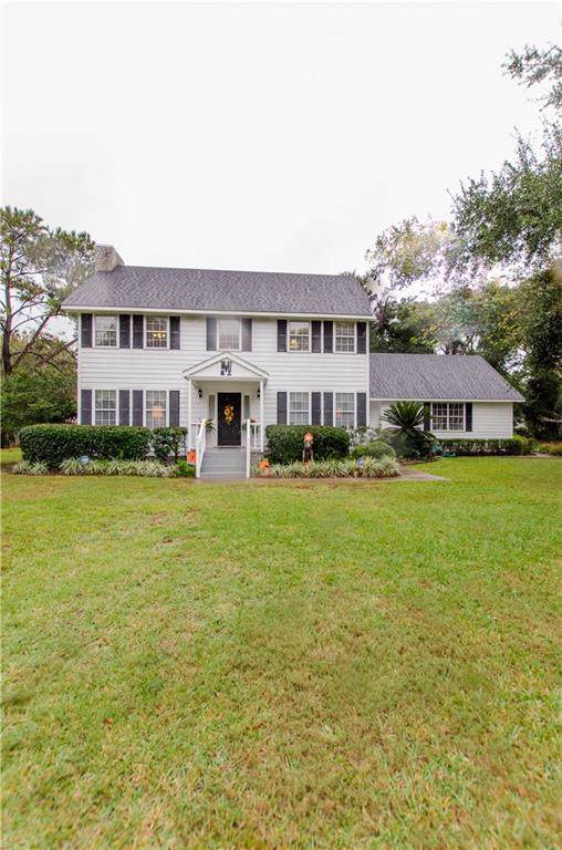 110 Thornhill Drive, Brunswick, GA 31525 (MLS #1614912) :: Coastal Georgia Living