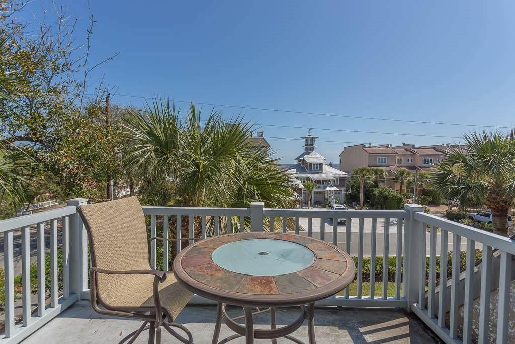 1035 Beachview Drive - Photo 1