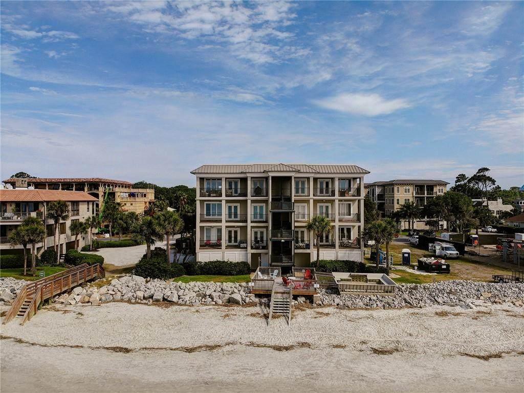 1004 Beachview Drive - Photo 1