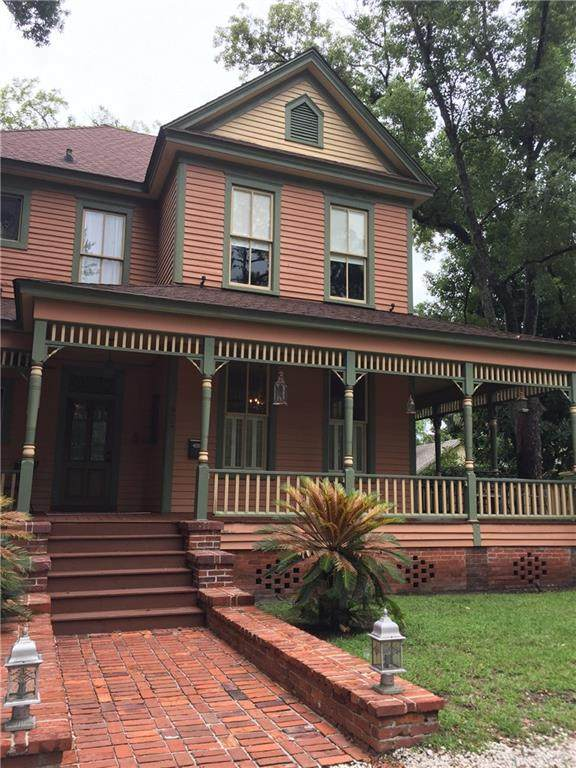 912 Carpenter Street, Brunswick, GA 31520 (MLS #1620455) :: Coastal Georgia Living